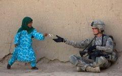 18373360 kid and soldier by oh canda eh d342sop 1514191306 650 c3bb550124 1514486192 240x150 - Hatimu akan Tersentuh saat Melihat 11 Kebaikan yang Dilakukan oleh Anak-anak Ini