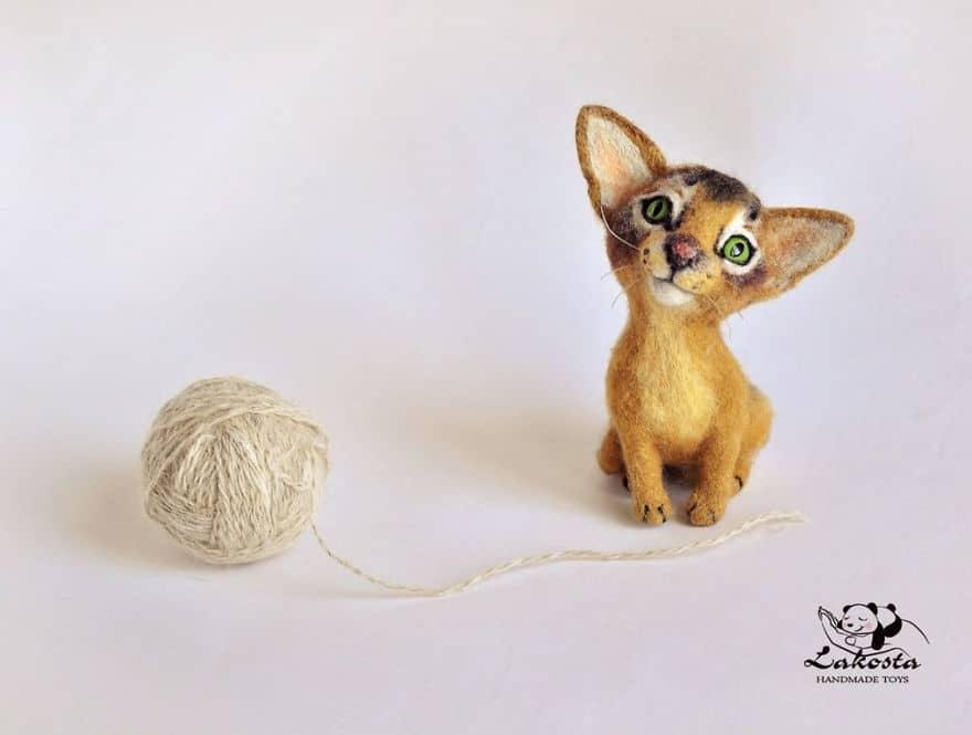 20 Cutest Felted Toys Ever By LaKosta 59b2b3c499947 880 - Cute Banget, Kamu Pasti Gak Nyangka Kalau 18 Miniatur Hewan Ini Dibuat dari Kain Wol