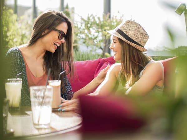 30 friends women idiva - Bukan Hanya Soal Penampilan, Kepribadian Menawan juga Bisa Kamu Dapatkan Melalui 7 Trik Komunikasi Ini