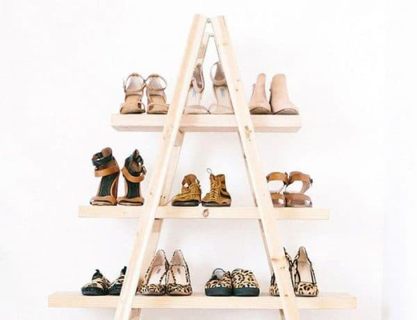 44 5 e1509625974889 600x460 - Gak Cuma Rapi, 12 Inspirasi Penyimpanan Sepatu Anti Mainstream Ini Bisa Bikin Ruangan Tampak Lebih Indah
