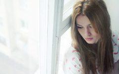 595887ed106c9 sad woman 240x150 - Inilah 7 Kebiasaan yang Sering Diulang-ulang yang Bikin Kamu Gak Bahagia. Hindari Mulai dari Sekarang, Yuk!