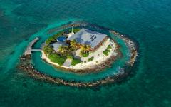 5958b2c77ba1360b7d628f8c 750 563 240x150 - Serasa jadi Ratu & Raja, Coba Liburan di 10 Pulau Privat Ini Bisa Kamu Sewa Ini, Yuk!