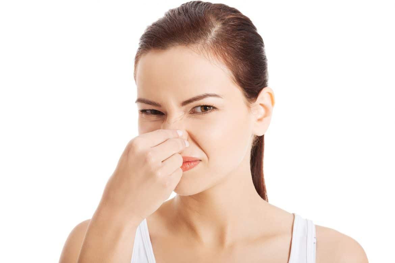 1. Keputihan dengan Bau Tak Sedap dan Menyengat, Gejala Paling Umum Vaginosis Bakterial