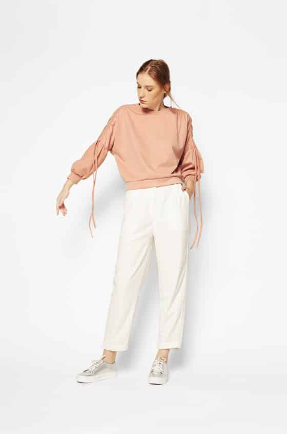 Detta 220517 02A zoom - Bosan Baju Lebaran Warna Putih? Coba 11 Blouse Berwarna Pastel di Bawah 250 Ribu Ini!
