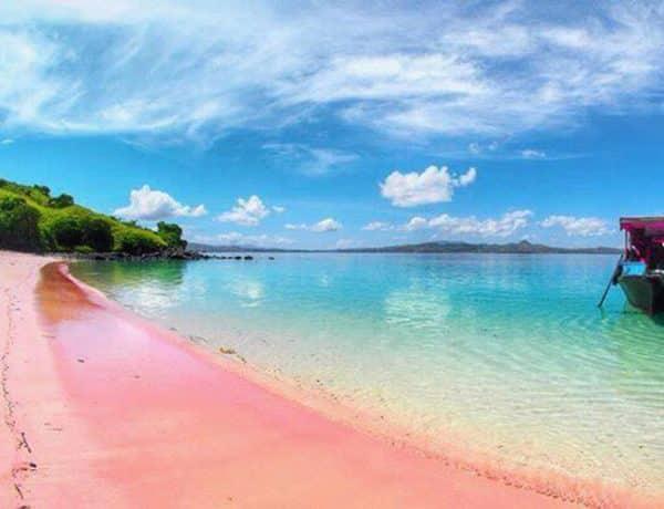 Pink Beach Komodo National Park Flores. 600x460 - Belum Banyak yang Tahu, 7 Tempat Wisata di Indonesia Ini Wajib Masuk dalam Daftar Liburanmu