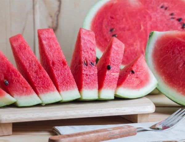 Watermelon and Gums Health 600x460 - Gak Perlu Minum Obat, 7 Jenis Makanan Ini Bisa Menyembuhkan berbagai Macam Penyakit