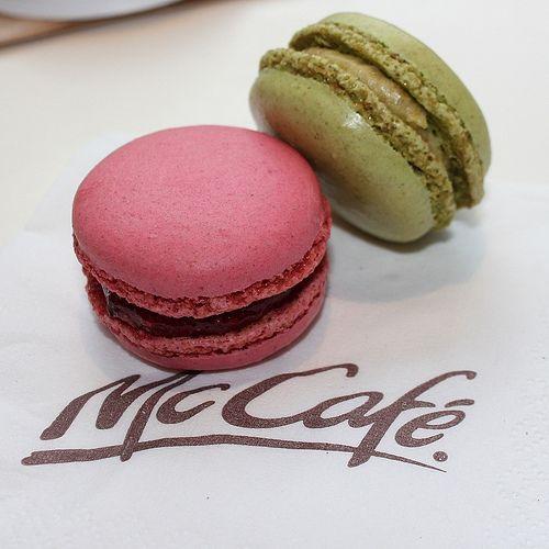 a71cb149197f5d2bd04ef2ab1989fb2f--fast-food-paris-france Gemesin! Diimpor Langsung dari Perancis, McDonald's Jepang Kini Menyediakan Macaron Super Imut Ini!