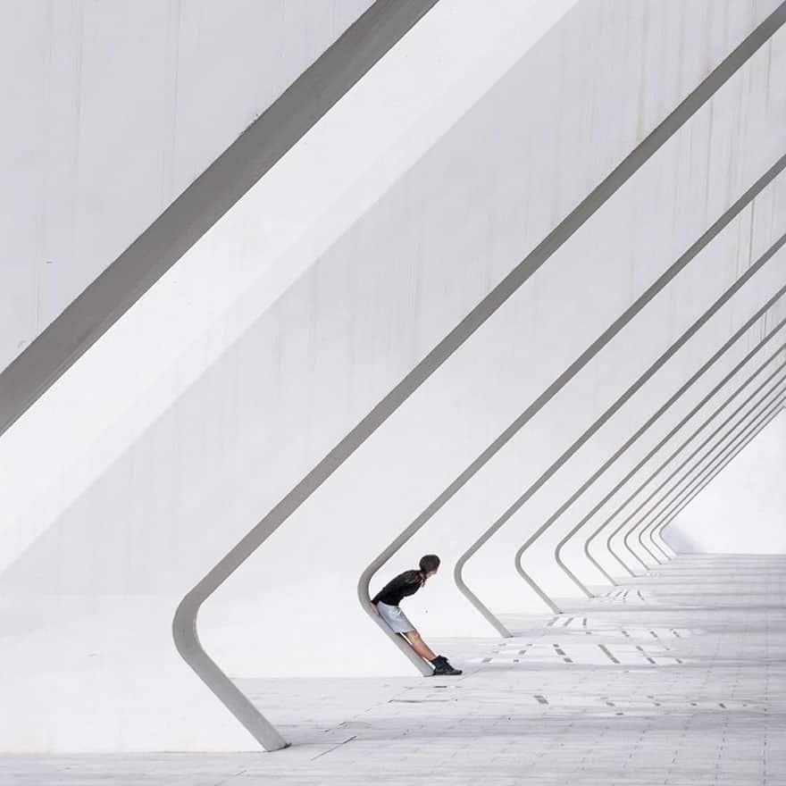 aesthetic architecture photography traveling daniel rueda anna devis 10 595cb567ce976 880 - Kece Banget! Kerennya Paduan Seni & Arsitektur Menghasilkan 20 Foto dengan Latar Menakjubkan Ini