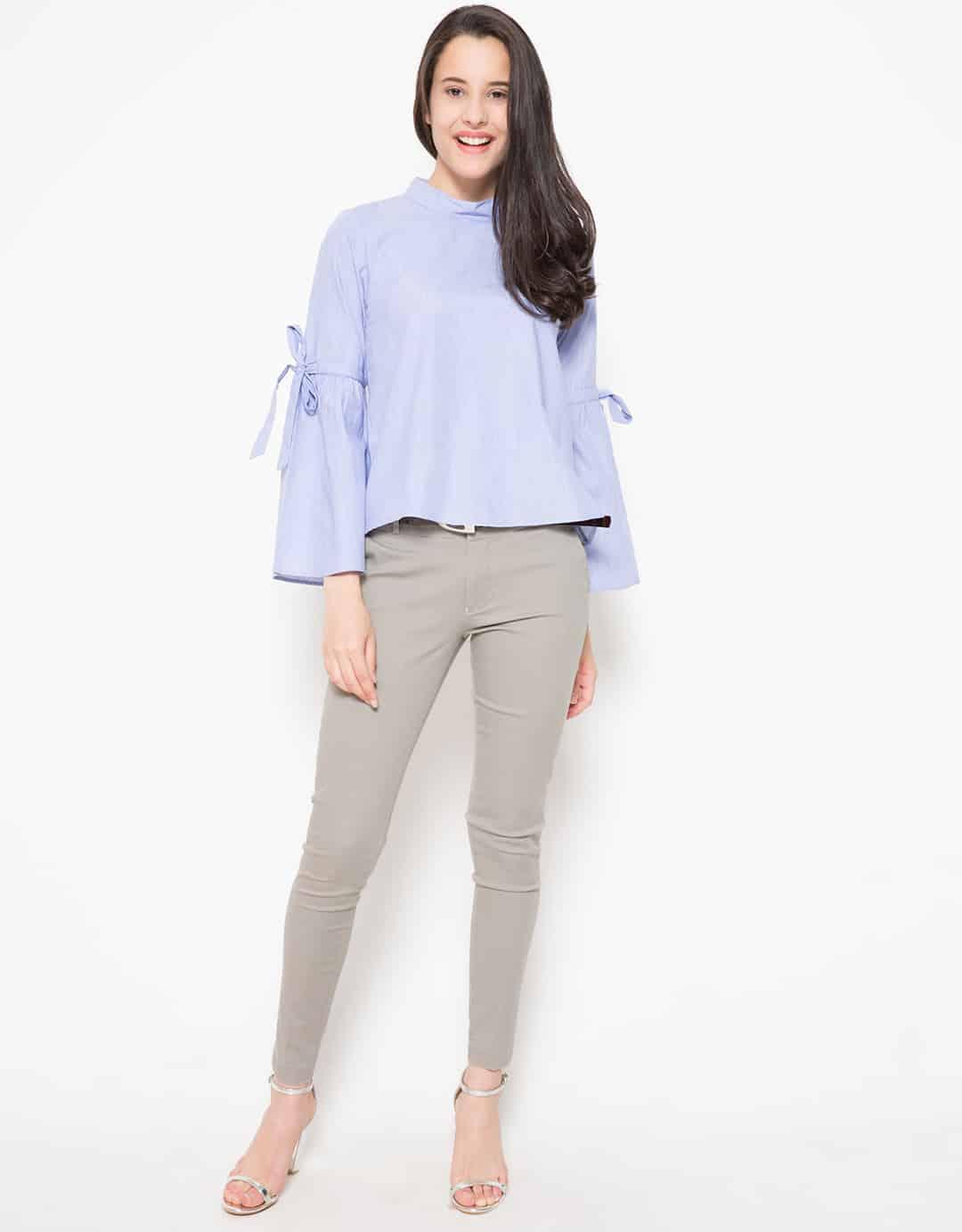 connexion ribbon sleeves detailed blouse biru 3911037 4 29191 - Bosan Baju Lebaran Warna Putih? Coba 11 Blouse Berwarna Pastel di Bawah 250 Ribu Ini!