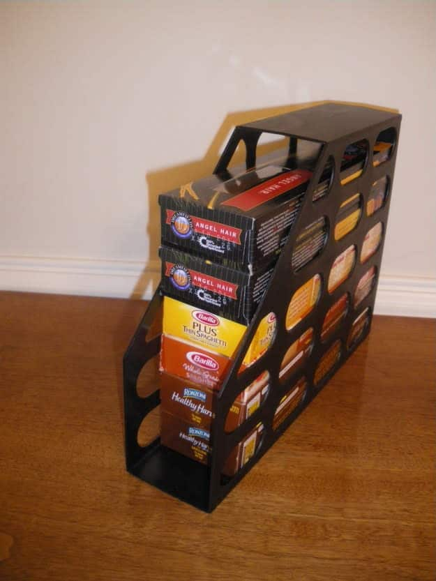 2. Punya Stok Bahan Makanan? Simpan Aja ke Dalam Box File