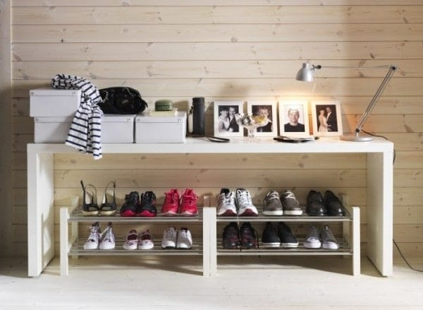 g - Gak Cuma Rapi, 12 Inspirasi Penyimpanan Sepatu Anti Mainstream Ini Bisa Bikin Ruangan Tampak Lebih Indah