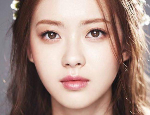 go ara 1460434554 af org 600x460 - Bukan Softlens, Ternyata 5 Selebriti Korea Ini Memiliki Warna Mata Alami Coklat Terang, Lho