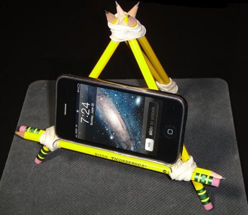 pencil - Dari Barang Bekas, 10 Aksesori Smartphone Imut Ini Bisa Kamu Bikin Sendiri, Lho