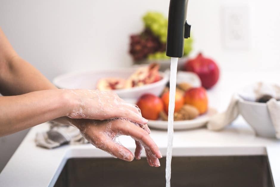 pexels photo 545021 - Bisa Menimbulkan Penyakit, 10 Barang yang Sering Dipakai di Rumah Ini Wajib Rutin Kamu Bersihkan