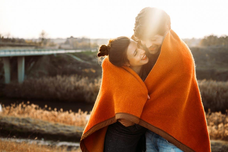 relationship changes in fall - Cara Zodiak Jatuh Cinta Berbeda-beda, Bagaimana dengan Zodiakmu?