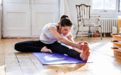 yoga stretch 2 1471434619847 1viic46zdce8g 630 80 240x150 - 5 Gerakan Ini Bisa Menguji Seberapa Sehatnya Tubuhmu. Ada Berapa yang Kamu Bisa?