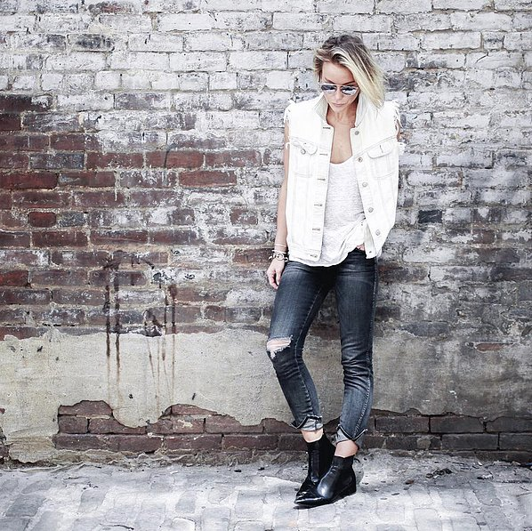 Edged Up Frayed Denim Vest Pointed Boots - 21 Ide Outfit Keren Hanya Dengan T-Shirt Putih