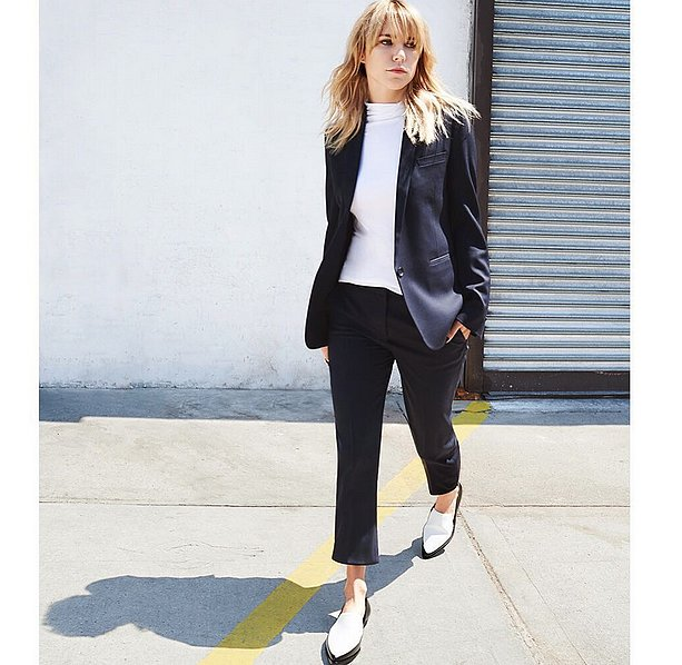 Work-Appropriate-Sleek-Suiting 21 Ide Outfit Keren Hanya Dengan T-Shirt Putih