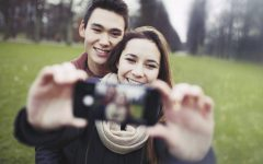 thinkstockphotos 469111855 240x150 - 5 Tips Couple Selfie agar Pacar Makin Lengket