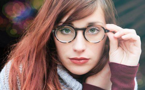 Memakai Kacamata Untuk yang Berhijab Juga Ada Tipsnya de15c38aed